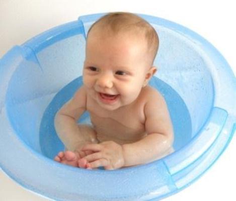 585014 É importante que seja realizada uma boa higiene durante o banho. Foto divulgação Esclareça as principais dúvidas sobre fimose