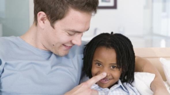585028 Não existem momento certo para contar ao filho que é adotivo. Foto divulgação Filho adotivo: quando contar a verdade