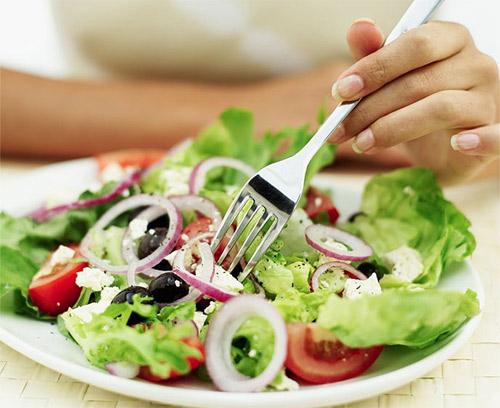 585887 A dieta volumétrica é uma boa opção para quem quer emagrecer. Dietas: mitos e verdades