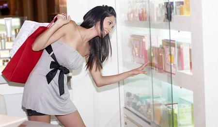 585888 Principais erros ao comprar um perfume Principais erros ao comprar um perfume