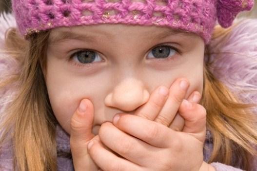 586782 A gagueira é um problema muito comum logo quando a criança começa a falar. Foto divulgação Como ajudar a criança a vencer a gagueira