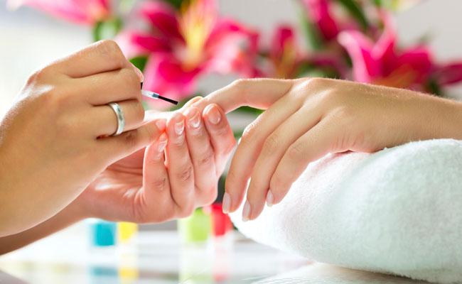 588562 Saiba como tratar as manhchas das unhas. Foto divulgação Manchas nas unhas: como tratar