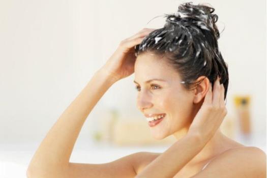 589382 Como fazer hidratação nos cabelos com Bepantol 2 Como fazer hidratação nos cabelos com Bepantol