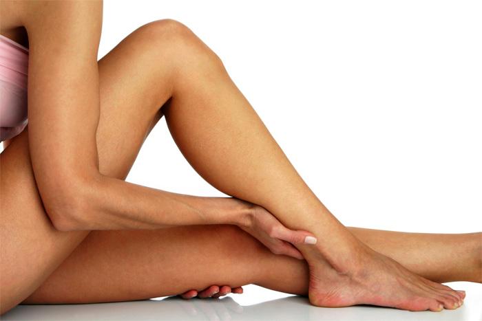 591433 A dora nas pernas está relacionada a diversas causas. Foto divulgação Dores frequentes nas pernas: o que pode ser