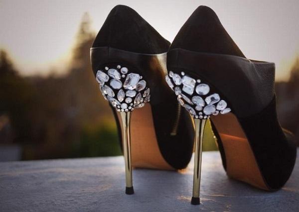 591754 como fazer salto miumiu 6 Customizar salto do sapato: dicas