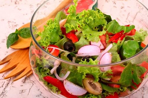 594428 photo salad Vegetais e frutas: safra de março
