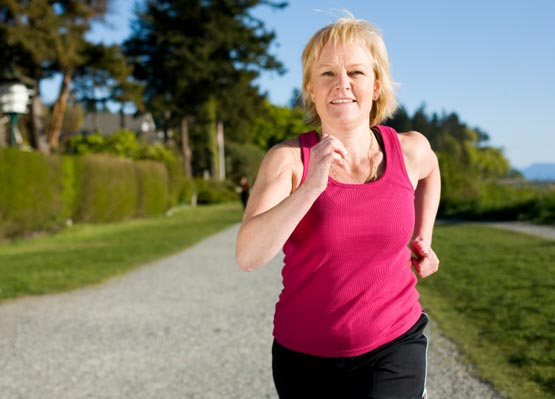 594733 A atividade física é uma poderosa aliada da mulher que est Pré menopausa: sinais