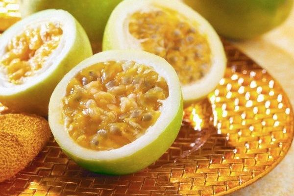 594868 Frutas como o maracujá ajudam a controlar a ansiedade e acalmam Remédio caseiro para menopausa
