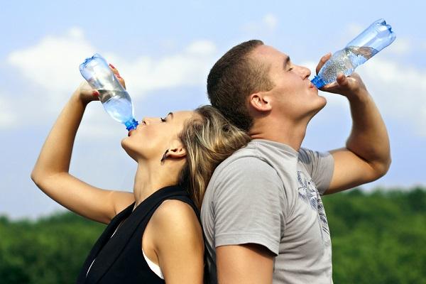 599138 Mesmo diante da retenção de líquidos é ideal realizar a ingesta de água. Foto divulgação Chás contra retenção de líquidos