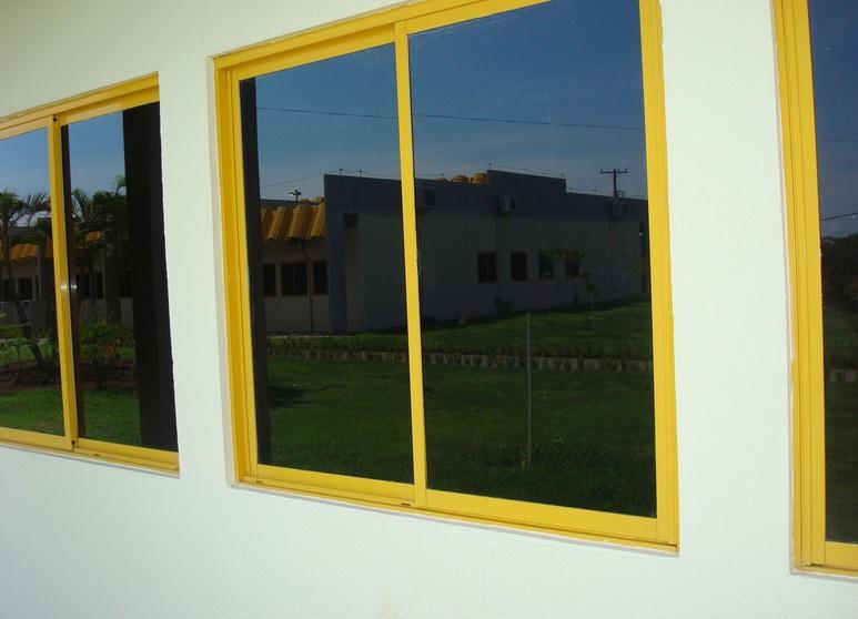 603261 Como aplicar insulfilm nas janelas de casa Como aplicar insulfilm nas janelas de casa