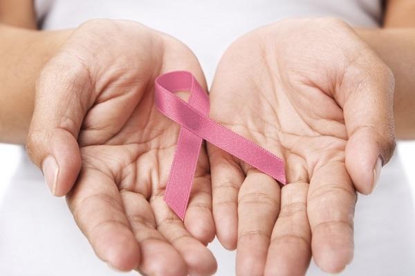 605664 Estudos mostram que a incidência do câncer pode ser aumentado pelo uso de celulares. Foto divulgação Males que o celular causa à saúde