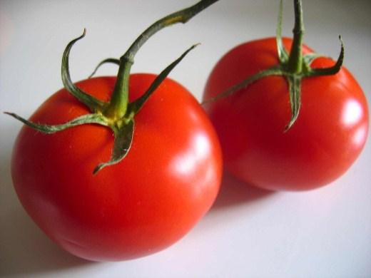 608186 O tomate faz parte da safra do mês de abril. Foto divulgação Frutas, legumes e verduras da safra de abril