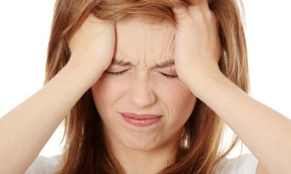 609272 As pontadas na cabeça podem ser sinais de problemas graves. Foto divulgação Pontadas na cabeça: o que pode ser
