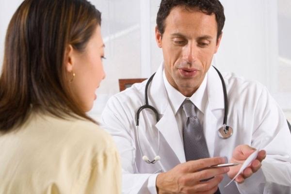 610316 Mediante a persistência dos sintomas vale a pena procurar auxílio médico. Problemas de saúde indicados pelas unhas