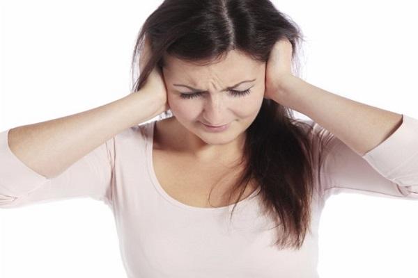 612247 O estresse pode favorecer o aparecimento de dores de coluna. Foto divulgação Remédio caseiro para dores de coluna