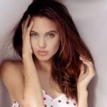612452 Fotos de Angelina Jolie adolescente 3 150x150 Fotos de Angelina Jolie adolescente