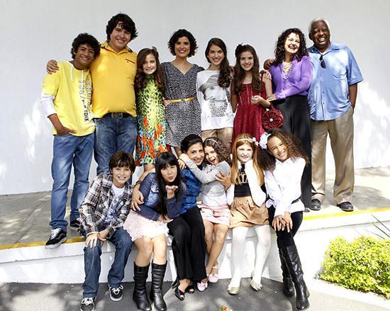 Fotos do elenco da nova versão de Chiquititas
