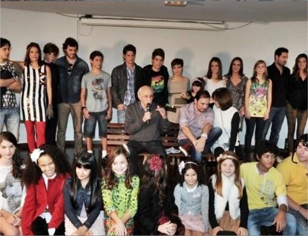 613863 e613863 fotos do elenco da nova versao de chiquititas 3.jpg Fotos do elenco da nova versão de Chiquititas