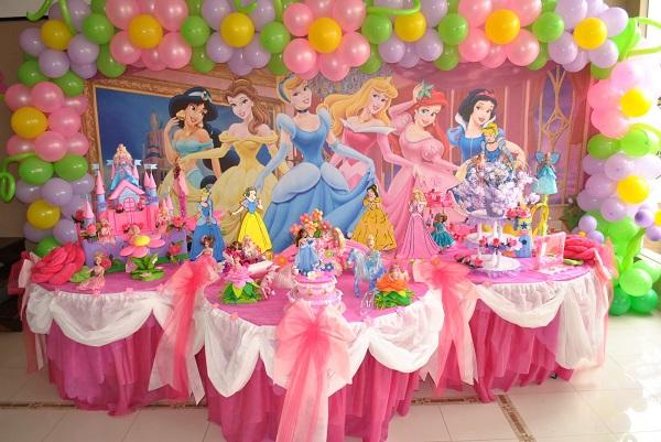 614714 Decoração Princesas Disney balões Temas para festa infantil feminina