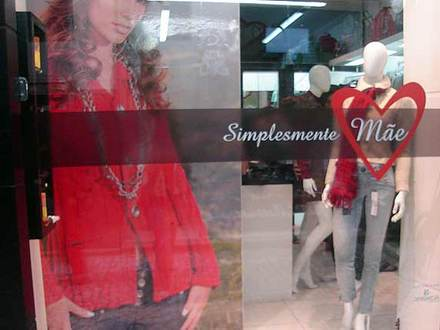 615513 Frases para vitrines de lojas Dia das Mães 04 Frases para vitrines de lojas Dia das Mães