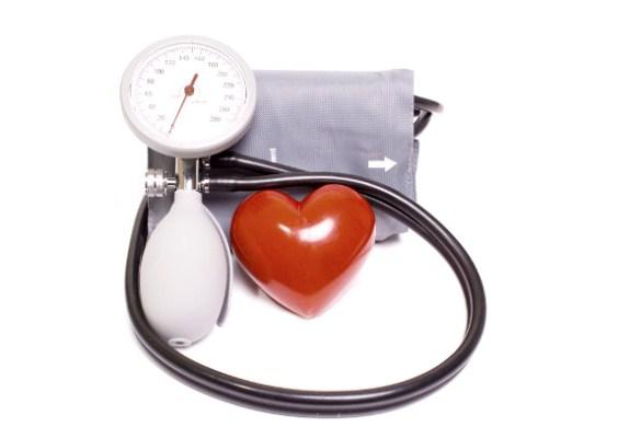 620616 A pressão arterial alta é um fator de risco para ataque cardíaco fulminante. Foto divulgação Ataque cardíaco fulminante: como evitar