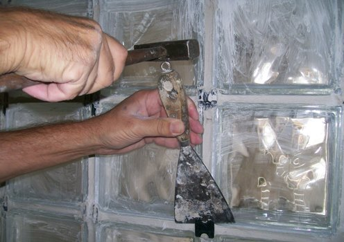 621748 Como assentar blocos de vidro 1 Como assentar blocos de vidro