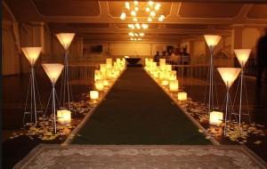 Decoração de festa de casamento com velas