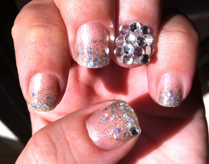 624868 Unhas com cristais aprenda como fazer 5 Unhas com cristais: aprenda como fazer