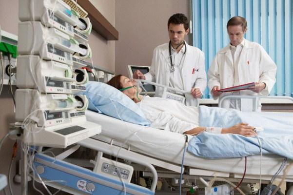 632996 Nos casos graves é preciso manter o paciente em UTI. Hantavírus: sintomas, transmissão, tratamento