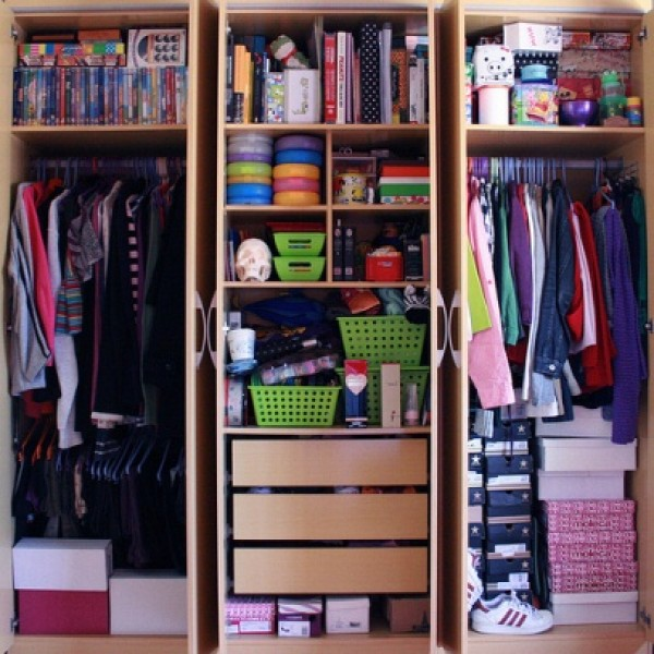 Dicas para organizar o guarda roupa - Como organizar un armario pequeno ...