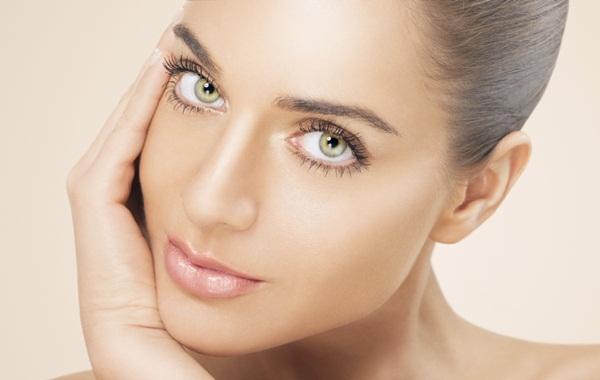 636150 Conheça alguns alimentos capazes de proteger a pele. Alimentos que protegem a pele do sol