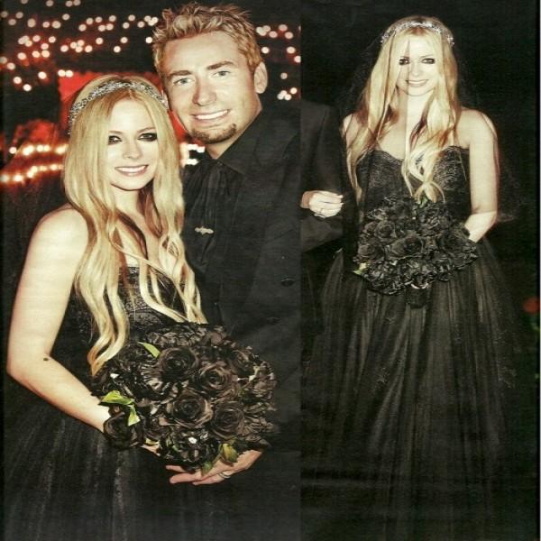 640475 Vestido de casamento da Avril Lavigne.1 600x600 Vestido de casamento da Avril Lavigne: fotos