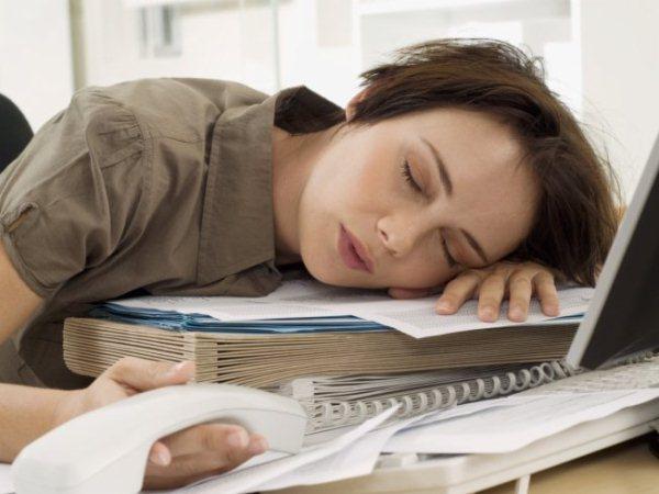 641495 Nem sempre o cansaço é resultado do estresse e poucas horas de sono. 1 Vitamina para dar energia e disposição