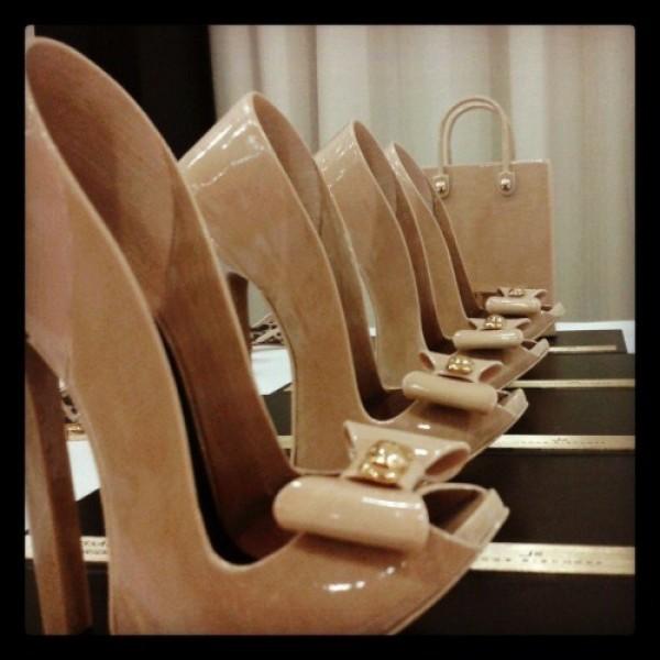 642221 Lançamentos de calçados femininos verão 2014.1 600x600 Lançamentos de calçados femininos verão 2014