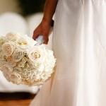 642358 O buquê é um complemento do vestido. 150x150 Buquês de noiva simples: fotos