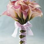 642358 Os buquês simples ficam lindos com vestidos rendados e românticos. 150x150 Buquês de noiva simples: fotos
