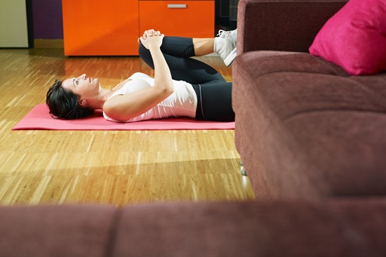 642625 Faça exercícios em casa para emagrecer. Foto divulgação Dicas para emagrecer sem ir para a academia