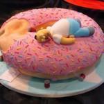 643875 O bolo em formato de rosquinha é muito engraçado. 150x150 Decoração de aniversário tema Os Simpsons: fotos, dicas