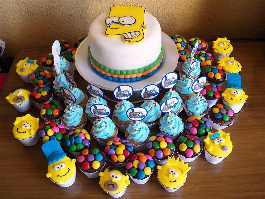 643875 Todos os docinhos devem respeitar o tema da festa. Decoração de aniversário tema Os Simpsons: fotos, dicas