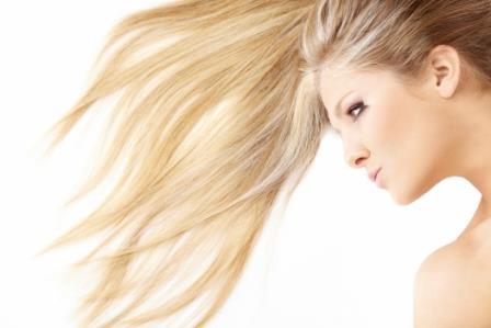 643896 Conheça o passo a passo para secolorir os cabelos. Foto divulgação Como pintar cabelo com água oxigenada
