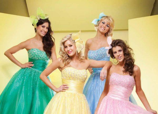 644429 Várias cores de vestidos de debutantes podem ser usadas. Foto divulgação Cores de vestido para festa de 15 anos: dicas