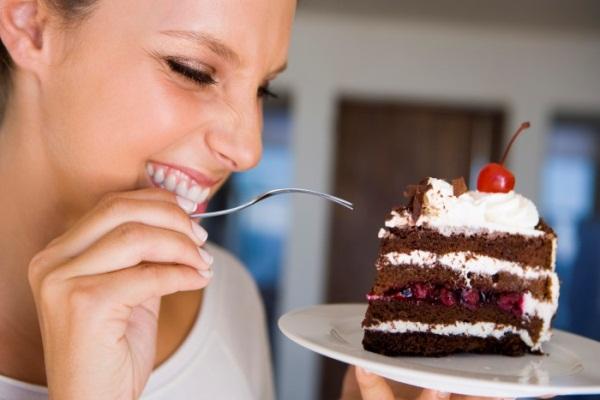 644914 Os doces são os grandes vilões da saúde bucal. Alimentos que fazem bem para saúde bucal