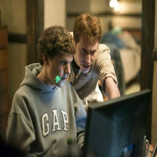 653007 filmes sobre internet e tecnologia 1 600x600 Filmes sobre internet e tecnologia
