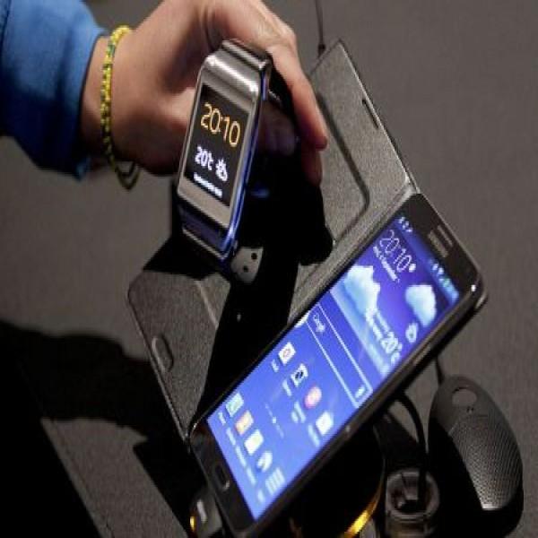 653516 galaxy gear relogio inteligente da samsung 3 600x600 Galaxy Gear: relógio inteligente da Samsung