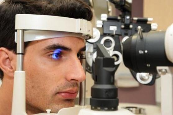 653668 É preciso consultar o oftalmologista para avaliar o caso. Foto divulgação Queimadura ocular por solda: o que é