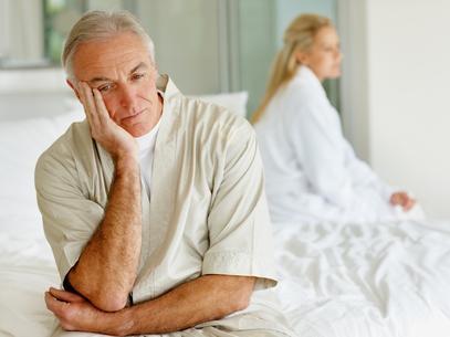 653721 Diminuição da libido e dificuldade de ereção podem ser indicações de terapia de reposição hormonal. Como saber se preciso tomar hormônio?