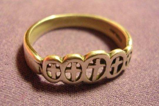 654682 O anel da pureza simboliza a virgindade até o casamento. Foto divulgação Anel da pureza: o que é, significado