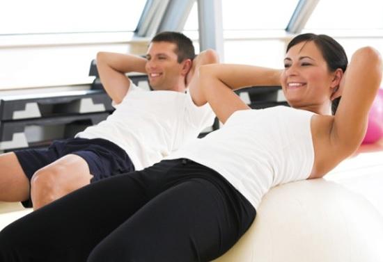 657620 A melhor maneira de emagrecer com saúde é realizando atividade física e melhorando a alimentação. Mitos e verdades sobre emagrecimento rápido