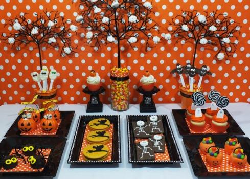 Mesa de halloween como decorar for Decorar piso halloween