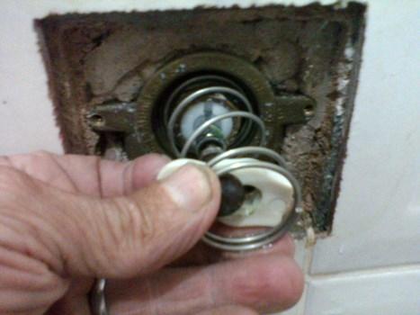 663250 Dicas para consertar vazamentos no banheiro 1 Dicas para consertar vazamentos no banheiro
